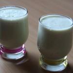Milkshake à la pomme au maccha et au miel
